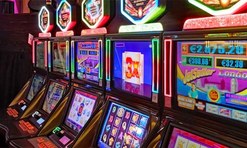 Online Casino 4 Dinge die man wissen sollte Von allen online Casinospielen machen Slotmaschinen den meisten Profit - Online Casino – 4 Dinge, die man wissen sollte